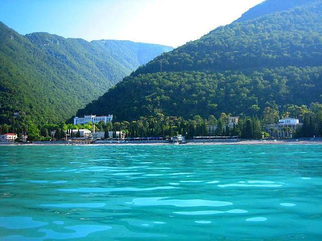 Купить электронные авиабилеты в Абхазию