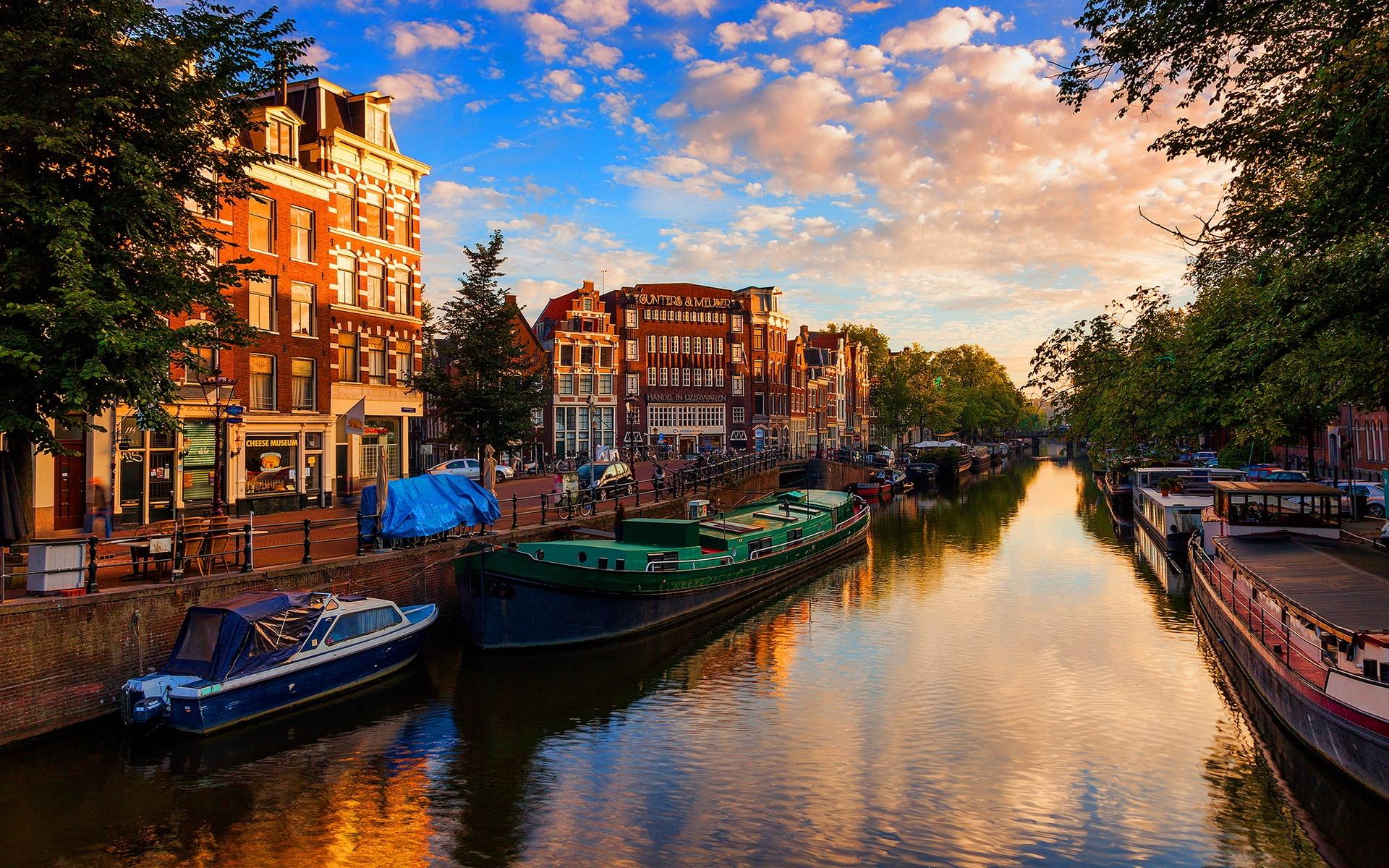 Купить электронные авиабилеты Киев — Амстердам