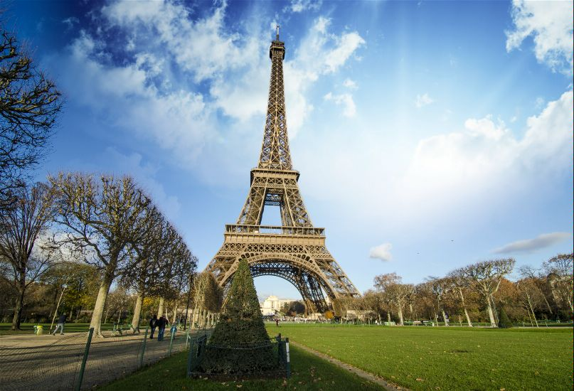 Покупка авиабилетов в Париж