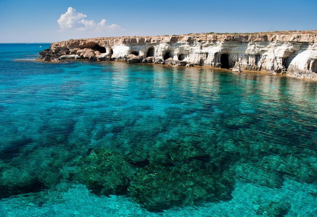 Подбор электронного авиабилета на Кипр