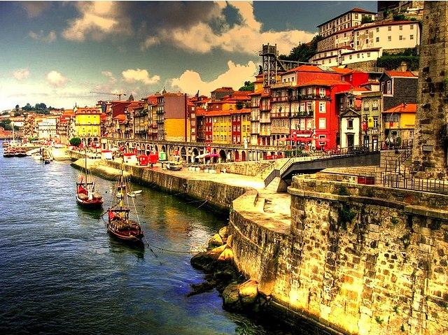 Купить электронные авиабилеты в Португалию